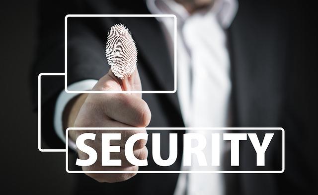 Sicherheit bei Geischtserkennung, Iris-Scanner und Fingerabdrucksensor